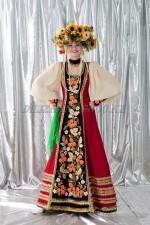2079. Женский народный костюм Хохлома с венком