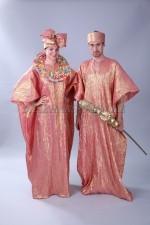 2208. Африканские национальные костюмы