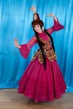 2041. Казахский национальный женский костюм