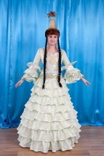 2035 Казахский национальный женский костюм