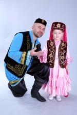 2099. Мужской и детский национальные татарские костюмы