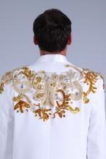 2398. Мужской белый смокинг с вышивкой (вид сзади)