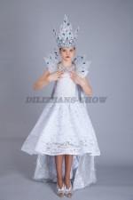5092. Снежная королева подростковая в платье из кружева со шлейфом