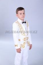 Смокинг белый казахский