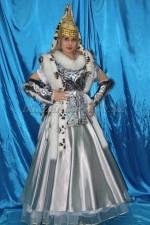 1207. Сакская принцесса в серебре