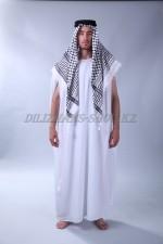 2303. Мужской национальный арабский костюм
